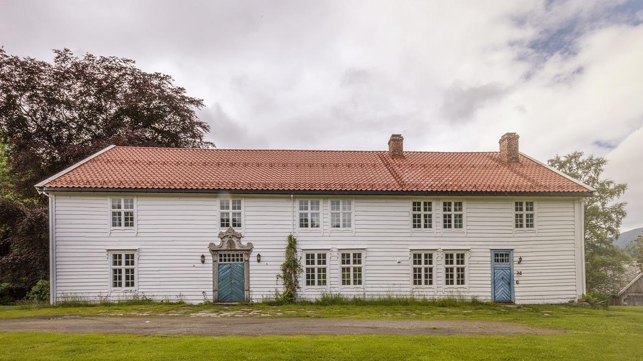 Skrivergaarden - Løken, 6770 Nordfjordeid